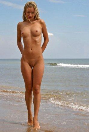 amateur photo Hot Beach