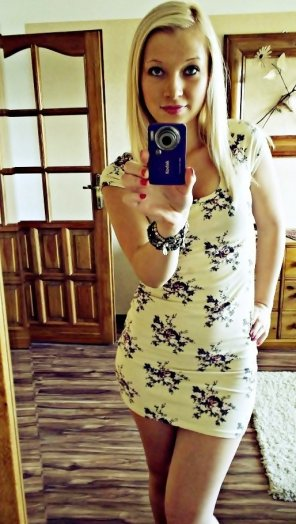 amateur photo Sundress selfie