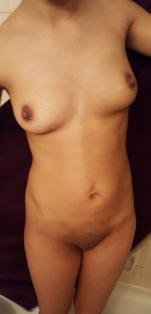 amateur photo Petite Frontal. Put your hands on mem wherever you like.