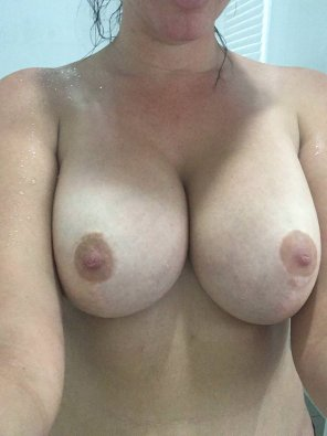 amateur photo 21[F4M] Would you put your cock in between my two tits? SC: chessatye01