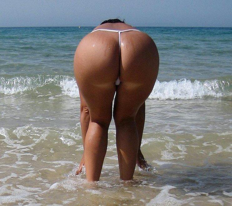 Ass in thong at the beach Porn Photo