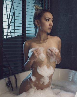 amateur photo Bath time is best time!