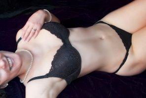 amateur photo Posing in Black Panties & Bra