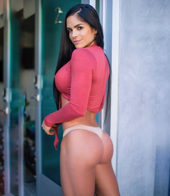 Michelle Lewin Porn Photo