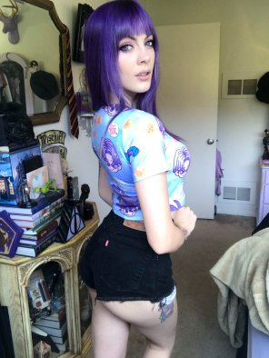 amateur photo God bless weeb girls with tiny shorts