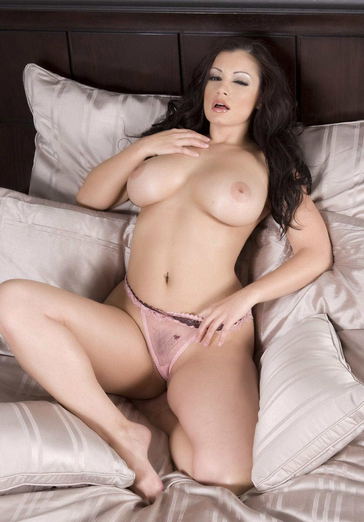 Kimberly rub my boobs