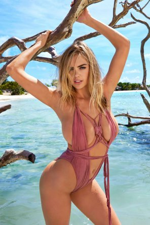 amateur photo Kate Upton barely contained