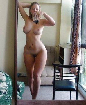 amateur photo hot curves