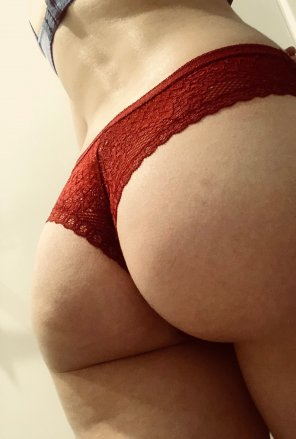 amateur photo It's not black lace [f]or a change 😜 So how do you feel about red on a lil booty?