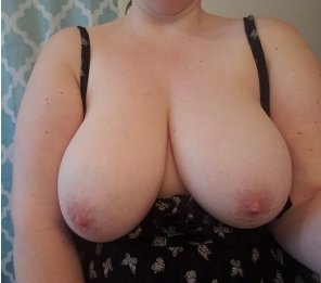 amateur photo I want hot guy to suck on my tits! SC: xomary21