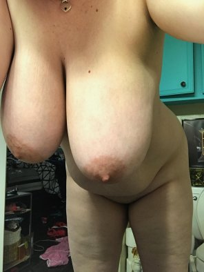 amateur photo IMAGEMy big natural hangers [image]