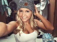 Lover her grey hat!