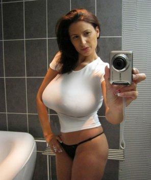 amateur photo Tight shirt