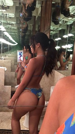 amateur photo Julia Kelly's thick ass