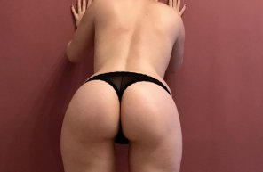 amateur photo finally veri[f]ied <3 so what do you thing of petite girls with big booties? ;)