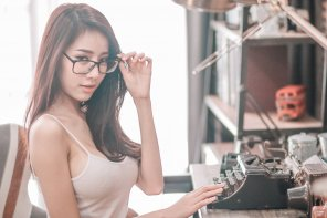 amateur photo Asian qt with glasses