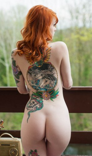 amateur photo She has nice tattoos