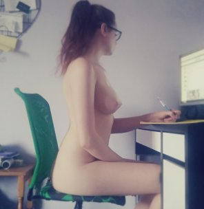 amateur photo I think I need a study partner, anyone willing to volunteer? Xx [f]