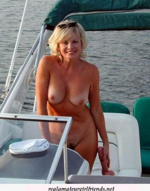 amateur photo Topless Blonde mom