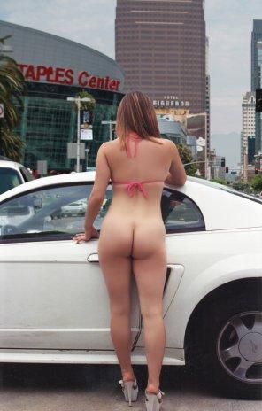 amateur photo Ass in LA streets