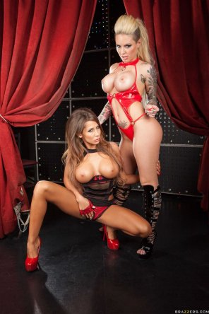 amateur photo Christy Mack or Madison Ivy, which would you pick?