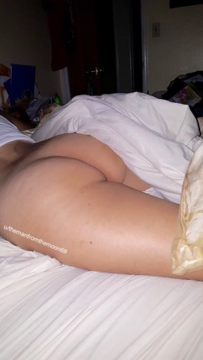 amateur photo How does my thick wife look?? Fuckable?? PM'S welcom