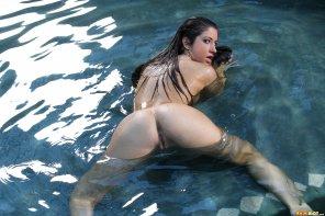 amateur photo Karina White - All wet