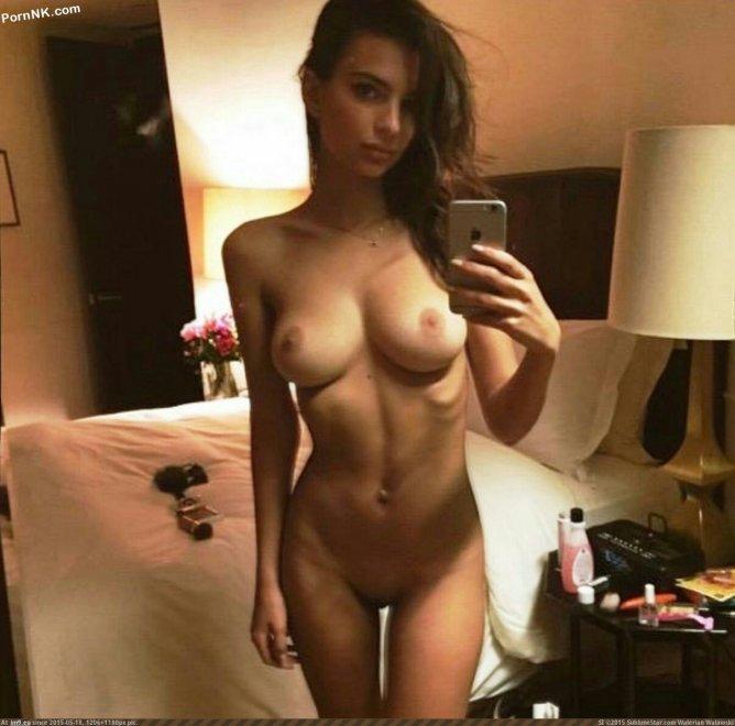 Ratajkoski Emily Full Naked selfie Porn Photo