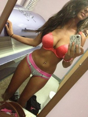 amateur photo Pink bra