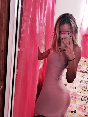 amateur photo PicturePink dress