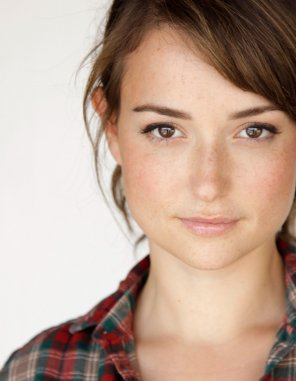 amateur photo Milana Vayntrub