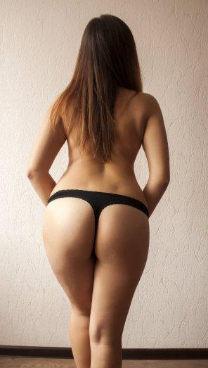 amateur photo Black thong [f]