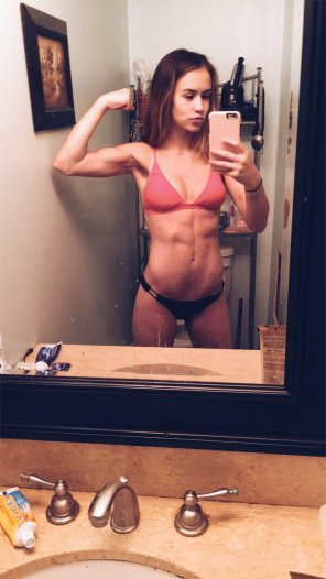 amateur photo Fit Bikini