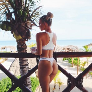 amateur photo Hannah Polites