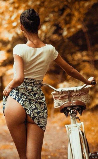 Biker booty Porn Photo