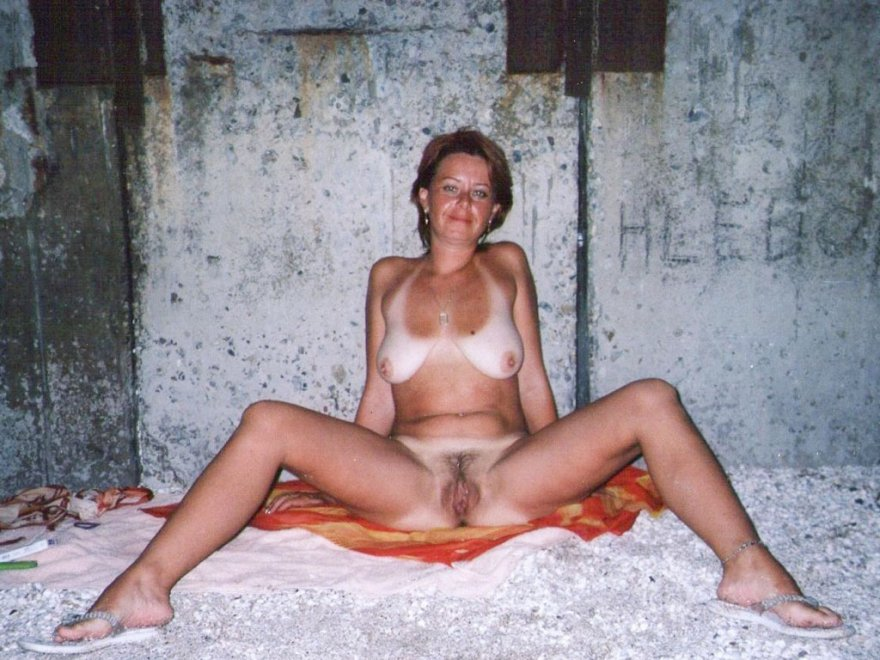 amateur photo Mature with tanlines