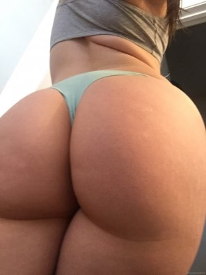 amateur photo Huge Whooty