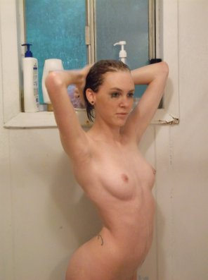 amateur photo JaydaFiree in the shower