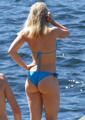amateur photo Sexy bikini ass