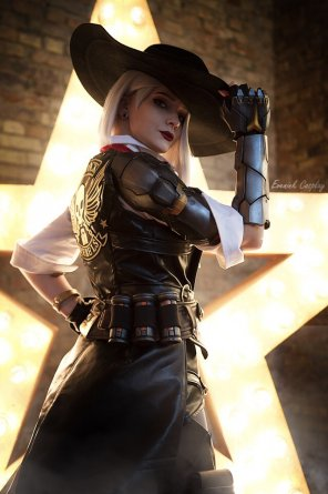 amateur photo My favorite overwatch hero - Ashe! Who's yours? ~ by Evenink_cosplay
