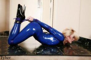 amateur photo Blue latex tied