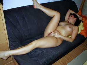 amateur photo Nude on couch