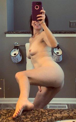 amateur photo A little photo break before showering [43]