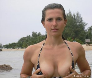 amateur photo Beach titties