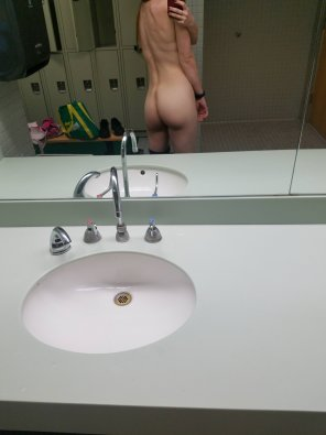 amateur photo [f]inally alone