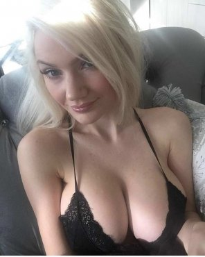 amateur photo Black Negligee