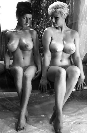 amateur photo Old school titties