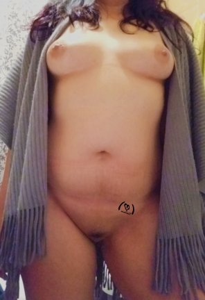 amateur photo [F] Hooe this shawl can keep me warm.