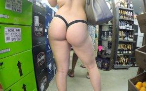 amateur photo Beauty at the supermarket