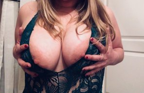 amateur photo Who'd like to meet my breast friends